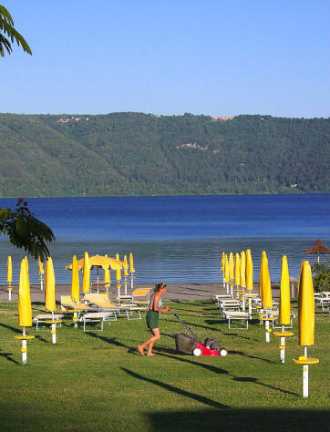 Lake Beach facilities near Castel Gandolfo