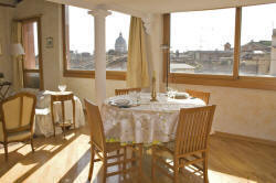 Spanish Steps apartment, dining area