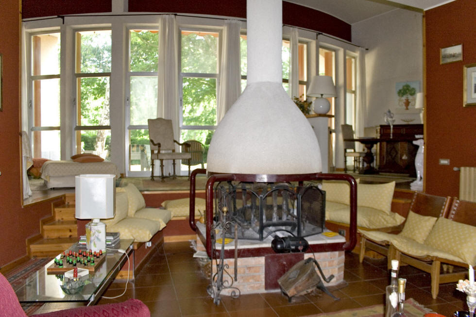 Villa near Zagarolo, living room